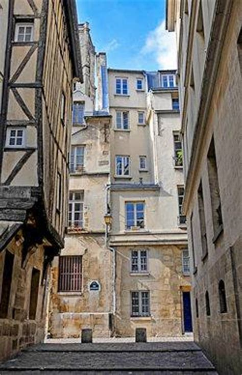 Discover Le Marais in Paris in the second part of our