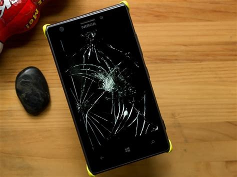 What do you do with a cracked Windows Phone screen