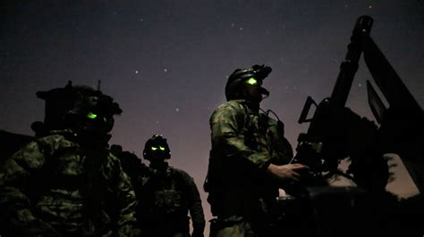 Special Ops to Obama: Let Us Fight ISIS, Already