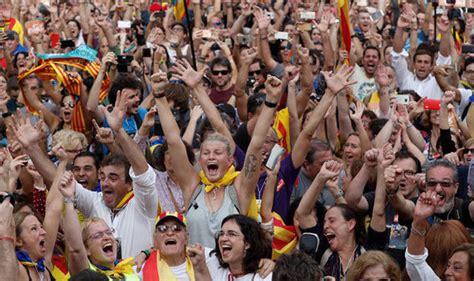 Catalonia video: Millions EXPLODE in jubilant cheer as