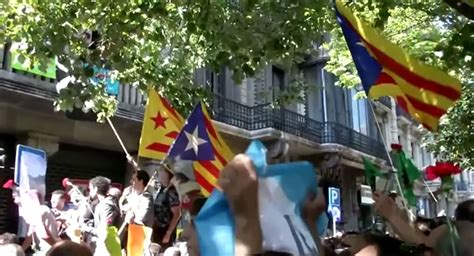 Spain Ignores Scotland Lesson as Catalan Independence